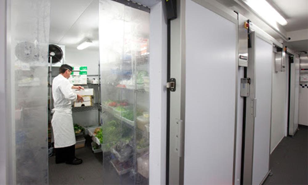 polyurethane sandwich panel for freezer